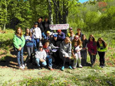 Students visiting Eustis Family Forest